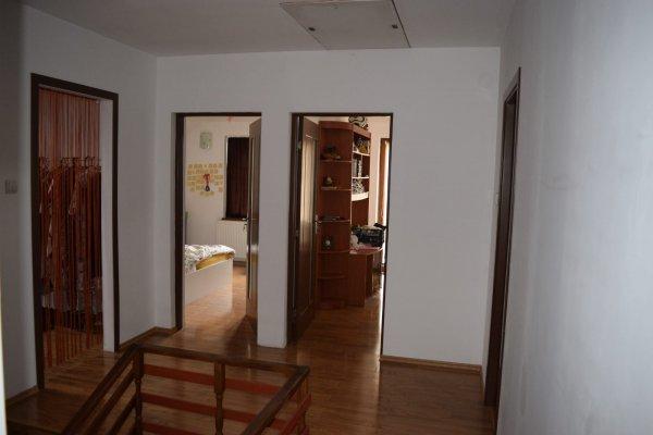 casa noua P+M, la 5 km de Deva