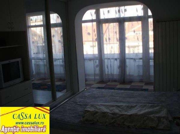 Apartament 4 camere mobilat, zona Rezidentiala